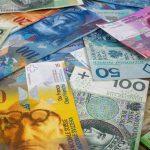 Banki żądają opłat od frankowiczów w związku z unieważnieniem umów frankowych