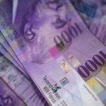 """Kredyt we frankach. """"Banki nie spieszą się z ugodami"""" – Polsat News"""